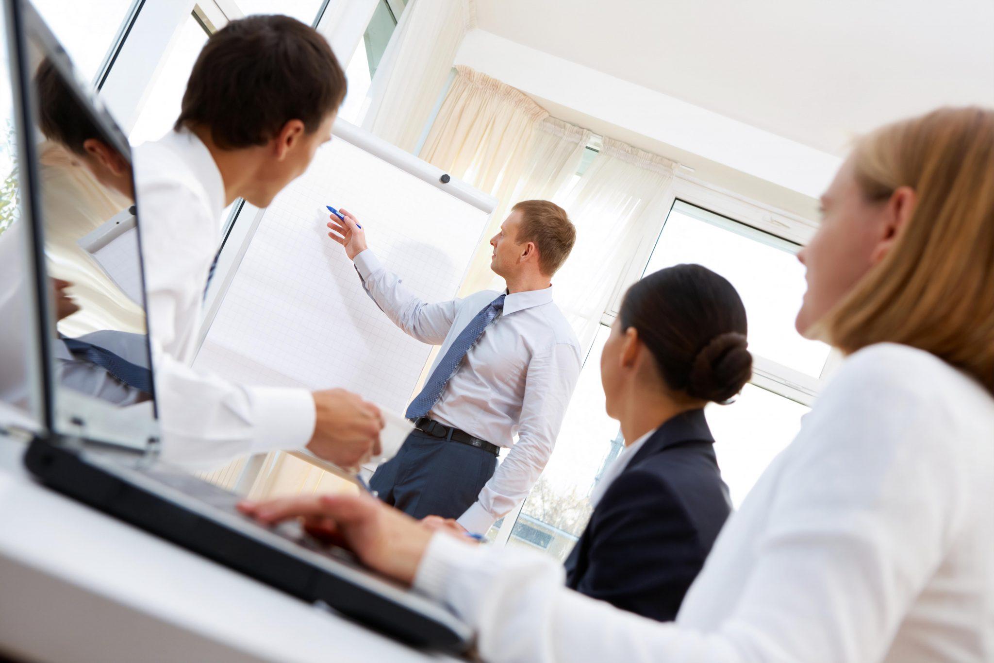 Zebranie informacji i ich analiza to podstawa do osiągnięcia sukcesu